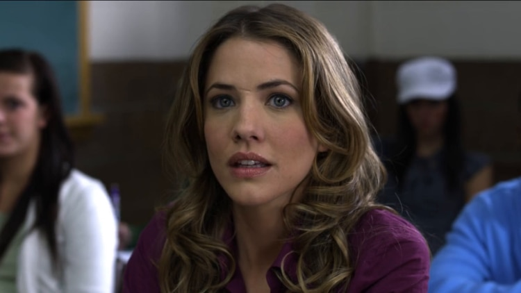 Julie Gonzalo 750x422 - Gonzalo and Bellamy Join Blair in Vicious Serial Killer Flick THE GREAT ILLUSION