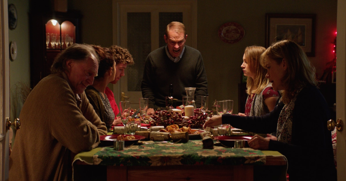 afi2c - Scary Movies XI: AWAIT FURTHER INSTRUCTIONS Review - How Screen Obsessions Will Kill Us All