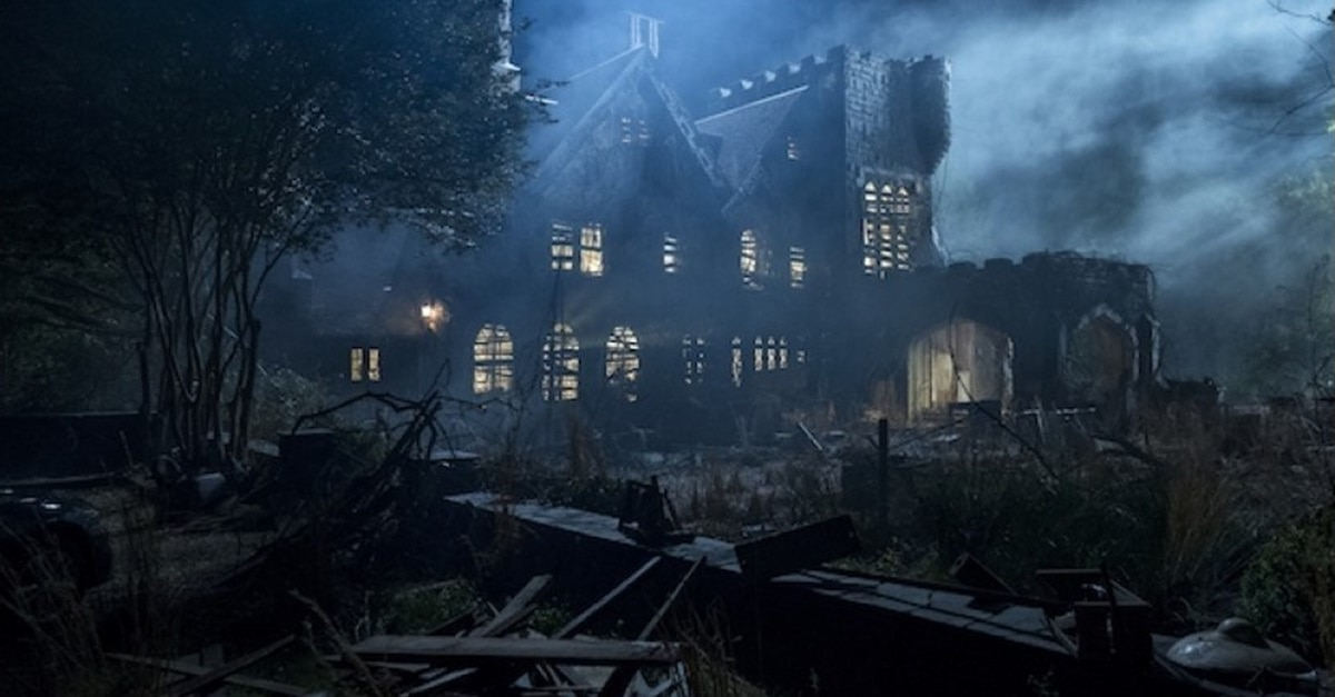 Haunting of Hill House Mansion - Here's How THE HAUNTING OF HILL HOUSE Season 2 Could Be Radically Different