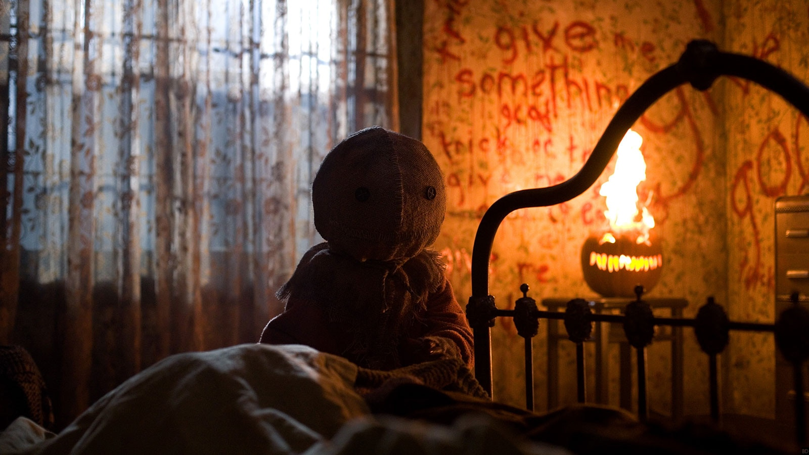 trickrtreat banner - TRICK 'R TREAT Blu-Ray Review - Scream Factory Stuffs Extra Treats Galore Into New Edition