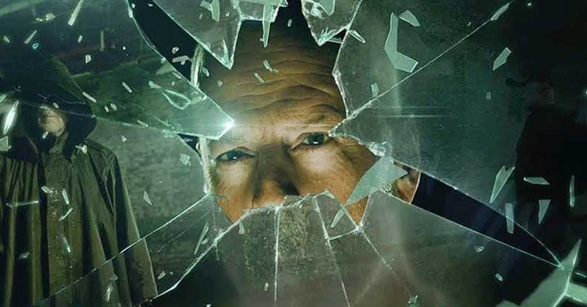 Glass David Dunn - M. Night Shyamalan's GLASS Will Included Footage Cut from UNBREAKABLE