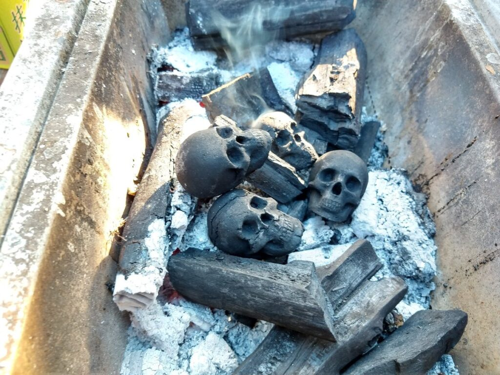 Skull Charcoal 2 1024x768 - Turn Your Next Backyard BBQ Into a Macabre Inferno with Charcoal Skulls