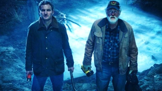 Pet Sematary 2019 Clarke and Lithgow Banner 560x315 - PET SEMATARY Directors Explain Decision to Spoil Film's Big Twist in the Trailers