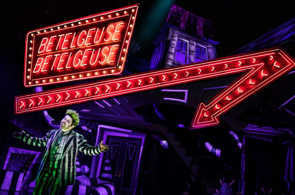 17020 ALEX BRIGHTMAN in BEETLEJUICE Photo by Matthew Murphy 2019 e1555603136671 1024x678 - Horror Business: Bringing BEETLEJUICE: THE MUSICAL to Life