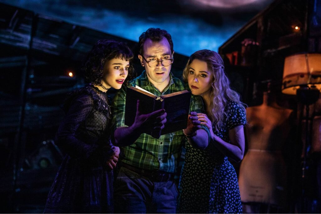 2467 SOPHIA ANNE CARUSO ROB McCLURE KERRY BUTLER in BEETLEJUICE Photo by Matthew Murphy 2019 e1555603173565 1024x683 - Horror Business: Bringing BEETLEJUICE: THE MUSICAL to Life