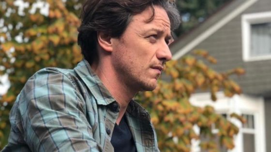 James McAvoy IT Banner 560x315 - Check Out James McAvoy as Grown-Up Bill Denbrough in IT: CHAPTER TWO