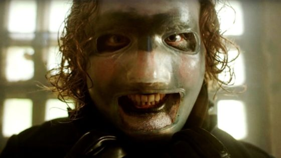 "Corey Taylor Tom Savini Mask 560x315 - Corey Taylor on Evolving SLIPKNOT Persona: ""I'll Give You a F***ing Villain"""