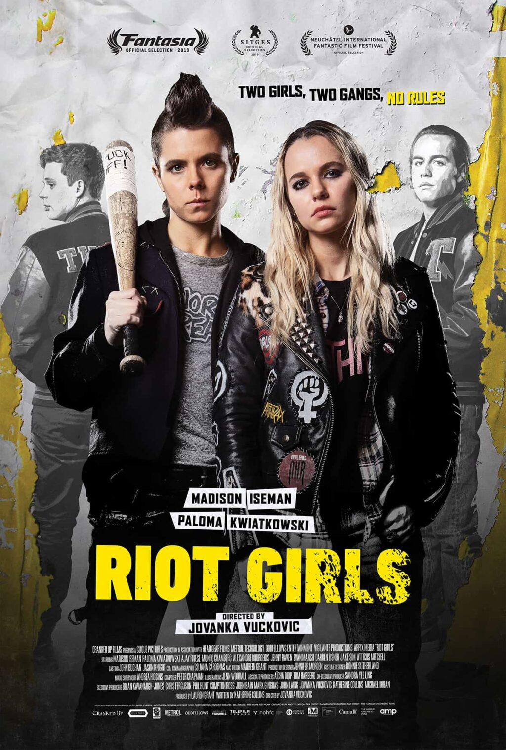 riotgirlsposter 1024x1517 - Exclusivo: Munro Chambers, do TURBO KID, tenta afirmar seu domínio em RIOT GIRLS