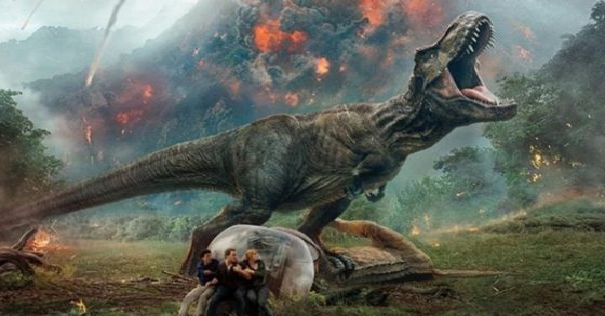 Jurassic Banner 560x315 - JURASSIC WORLD Short Film BATTLE AT BIG ROCK Will Air on FX This Sunday