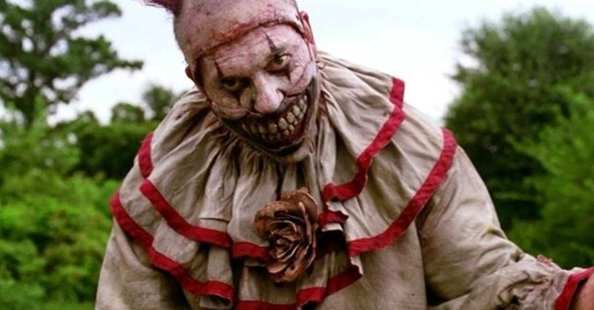 Twisty Banner - Video Counts Down Top 10 Psychologically Terrifying AMERICAN HORROR STORY Moments