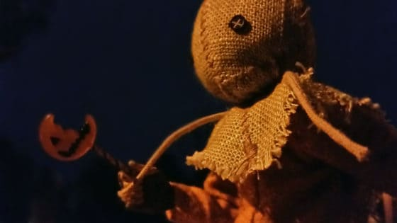 NECA Trick R Treat Sam Clothed Action Figure 004 560x315 - TRICK 'R TREAT's Sam Has a Busy Night!