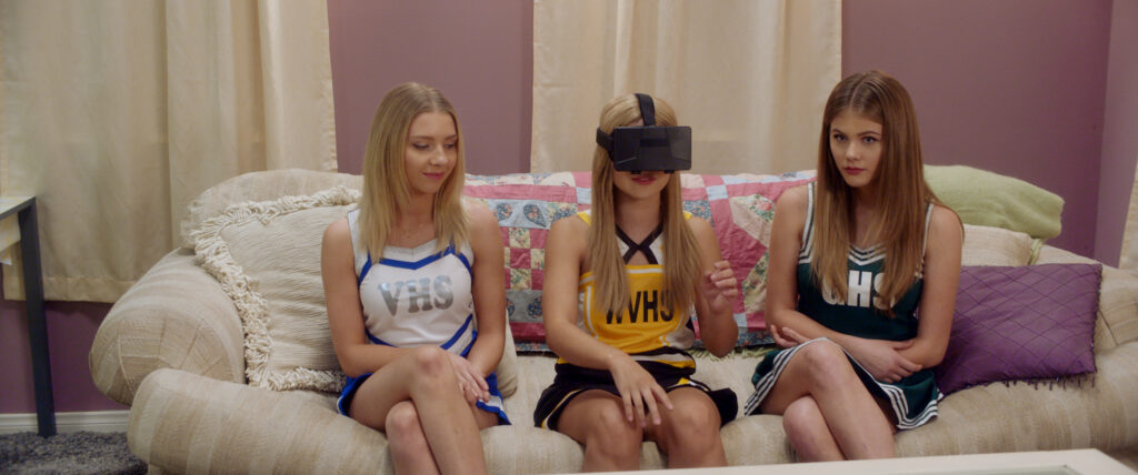 DNR Elise Luthman Amanda Arcuri Kerri Medders in Brads House VR Outside Time 1024x428 - Exclusive Clip from DO NOT REPLY at NYC Horror Film Fest This Week