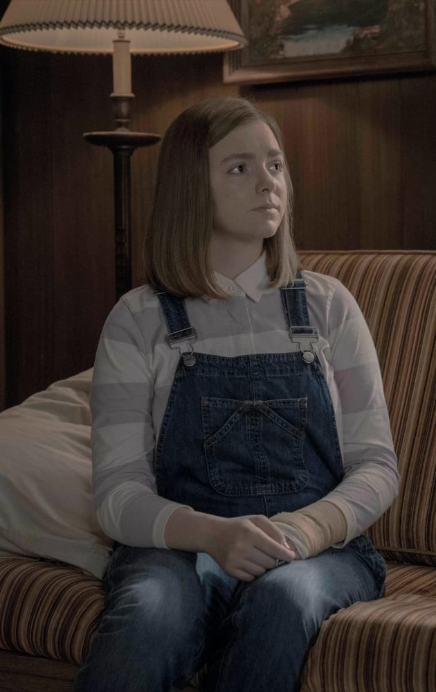 The REAL Annie Wilkes - Castle Rock 2: Will the REAL Annie Wilkes Please Stand Up?