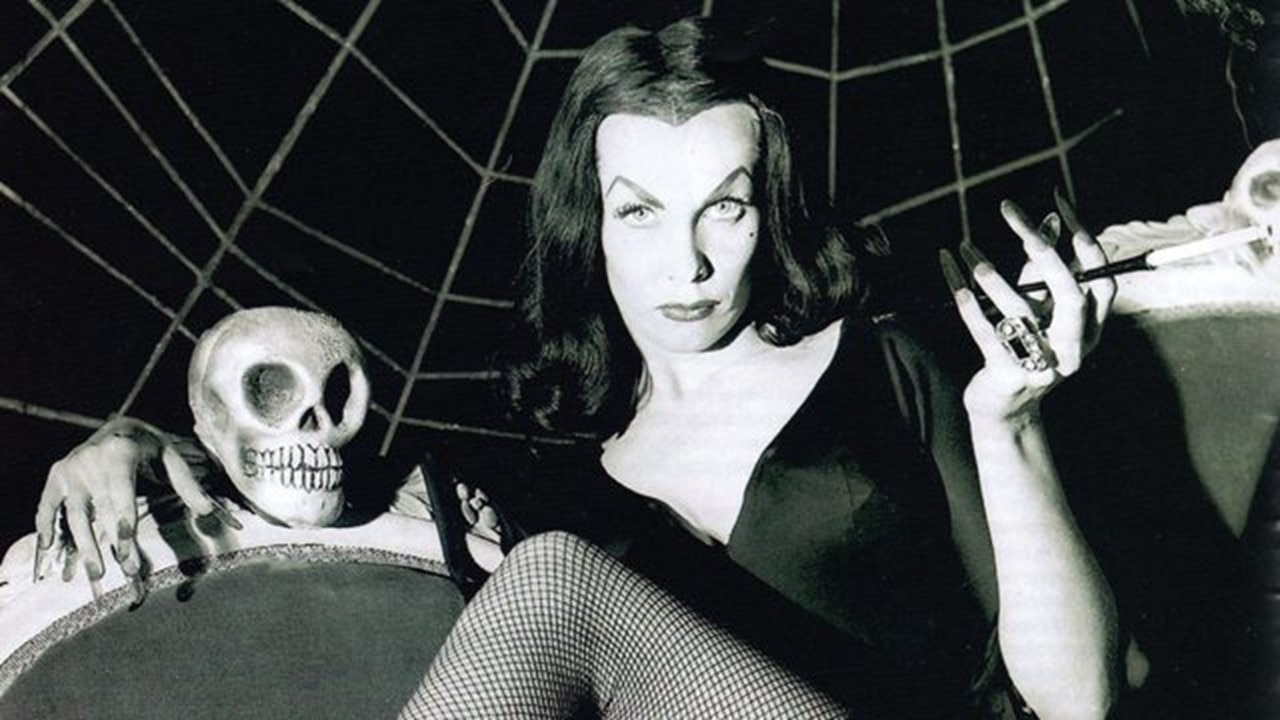 Vampira - This Day in Horror: Happy Birthday Maila Nurmi aka Vampira