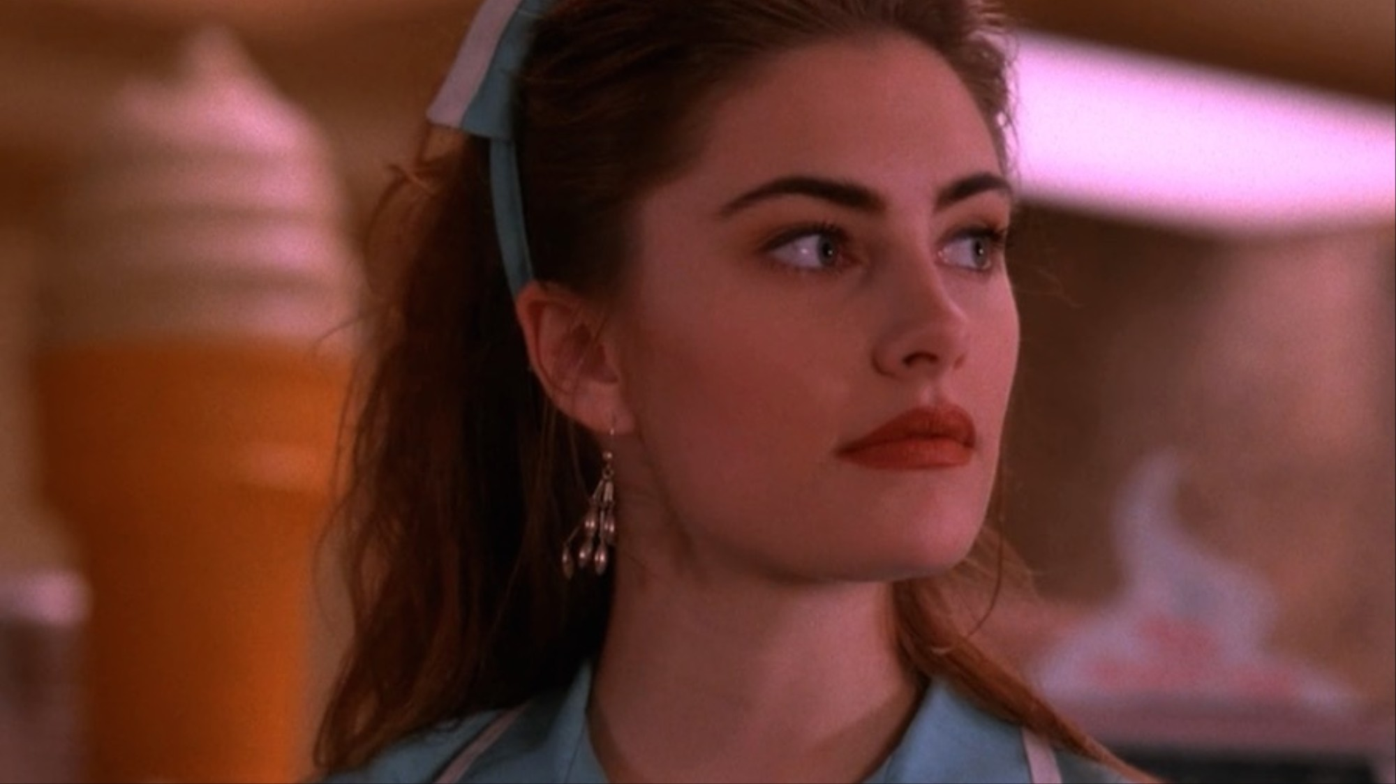 twin peaks star mdchen amick on graduating from the school of david lynch 1495128375 - This Day in Horror: Happy Birthday Madchen Amick
