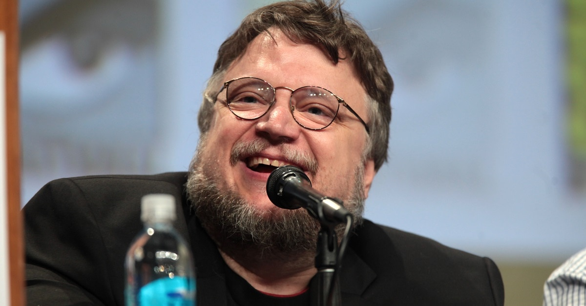 Guillermo del Toro Nightmare Alley - Guillermo del Toro's NIGHTMARE ALLEY Begins Filming