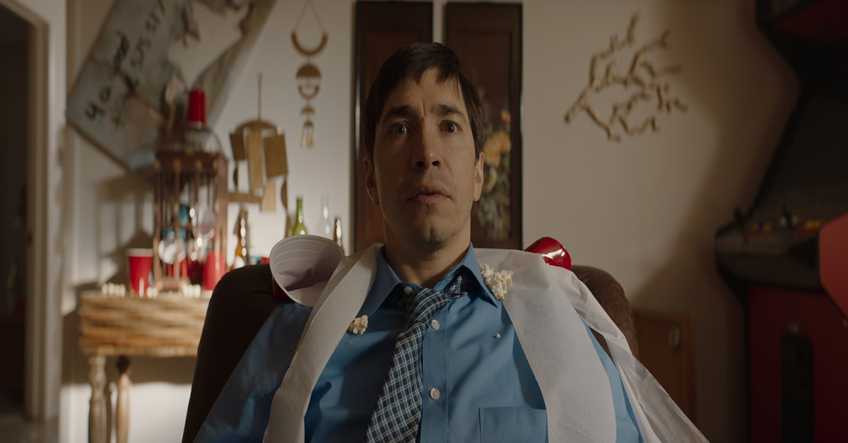 Justin Long Feature 2 - Interview: Justin Long on His Character's Vibrant, Hallucinogenic Journey in THE WAVE