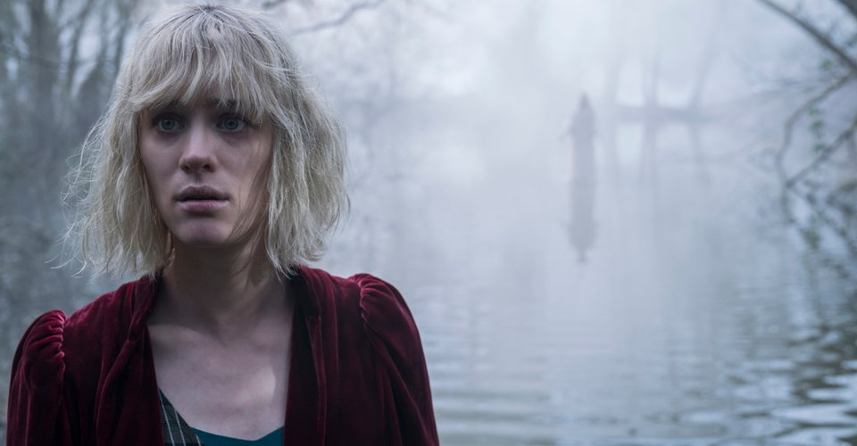 Mackenzie Davis in The Turning 2020 movie - THE TURNING Review - Does a Poor Job Adapting a Classic