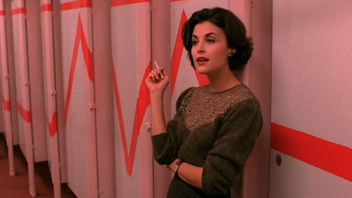 sherilynn fenn - This Day in Horror: Happy Birthday Sherilyn Fenn