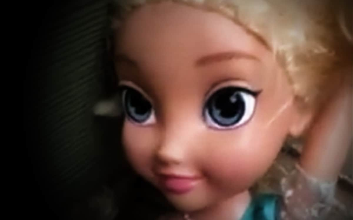 "Elsa featured - Texas Family Frozen in Fear by ""Haunted"" Elsa Doll"
