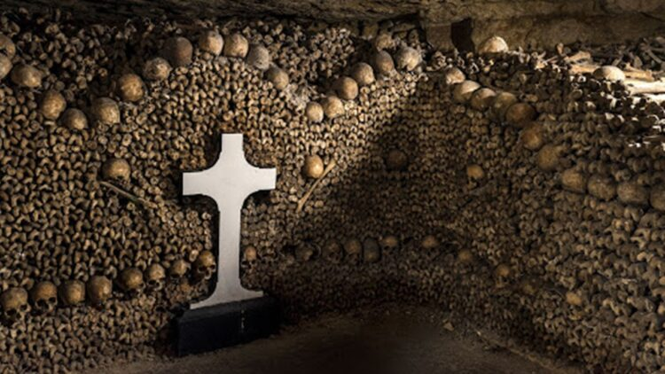 Paris Catacombs 750x422 - Housebound Horror Fans Can Take a Virtual Tour of the Paris Catacombs