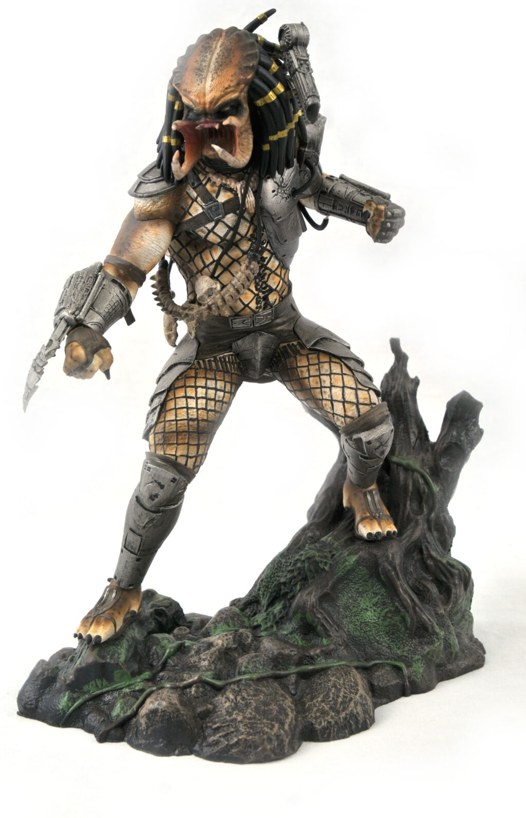 RGB 1547 1024x1592 - PREDATOR Unmasked: Diamond Select Toys Reveal Another SDCC 2020 Exclusive