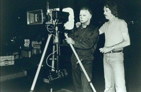 Horror Movie BTS 2 - 30 Wholesome Behind-the-Scenes Pics From Horror Movies To Brighten Your Day [Gallery]