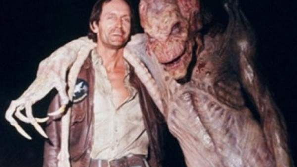 Horror Movie BTS 27 - 30 Wholesome Behind-the-Scenes Pics From Horror Movies To Brighten Your Day [Gallery]