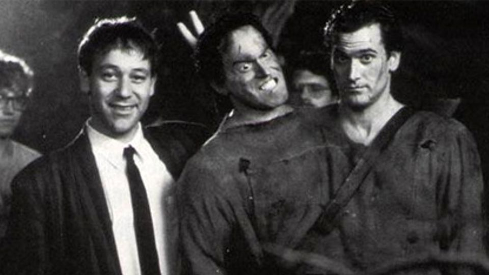 Horror Movie BTS 28 - 30 Wholesome Behind-the-Scenes Pics From Horror Movies To Brighten Your Day [Gallery]