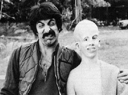 Horror Movie BTS 8 - 30 Wholesome Behind-the-Scenes Pics From Horror Movies To Brighten Your Day [Gallery]