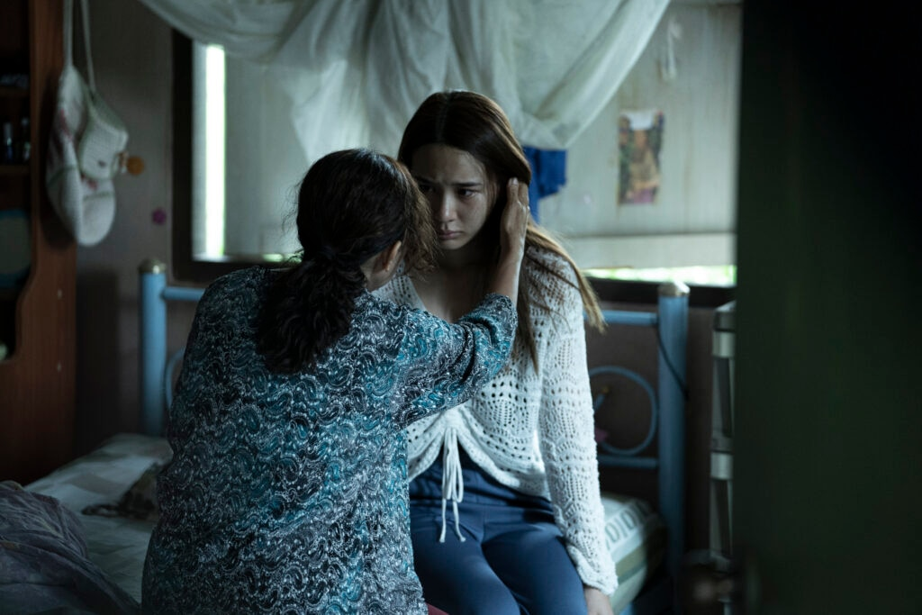 MEDIUM 100 0004 RT 1024x683 - London Film Festival Review: 'The Medium' Is A Pulverizing Possession Yarn