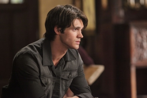 VD207e - The Vampire Diaries: Stills from Episodes 6 and 7; New York Comic Con Teaser Video