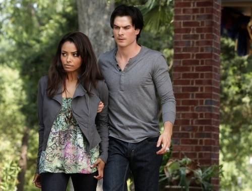 VD207h - The Vampire Diaries: Stills from Episodes 6 and 7; New York Comic Con Teaser Video