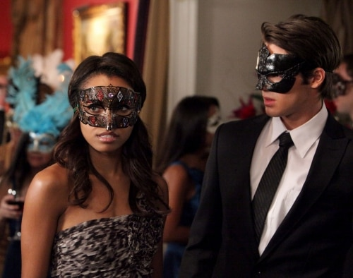 VD207i - The Vampire Diaries: Stills from Episodes 6 and 7; New York Comic Con Teaser Video