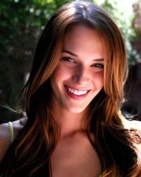 Amanda Righetti up for Friday the 13th lead