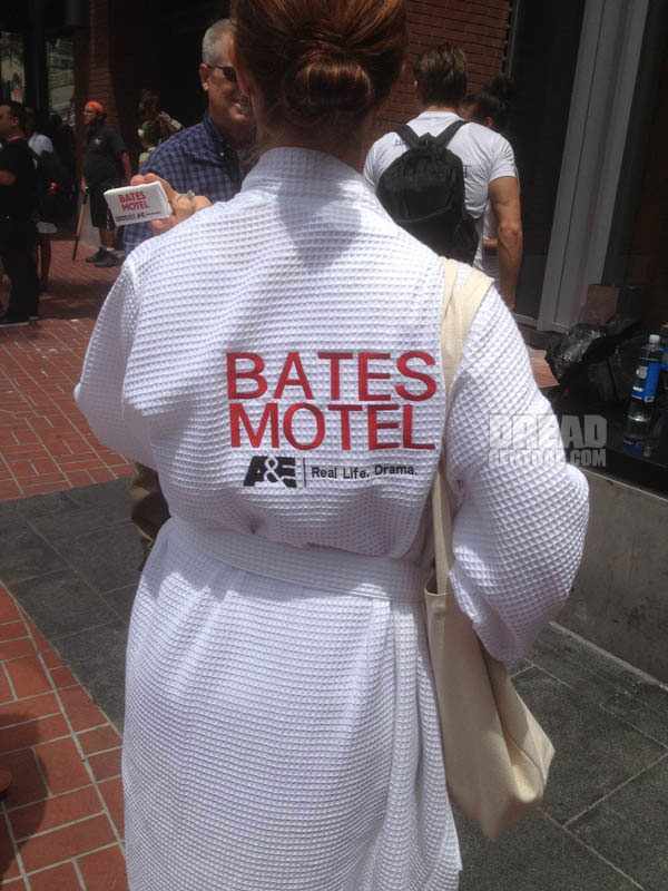 San Diego Comic-Con 2012: Bates Motel - Mrs. Bates Was NEVER this Accommodating!