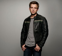 Max Thieriot and Kenny Johnson Talk Incest, Drug Wars, and Family Dynamics at Bates Motel