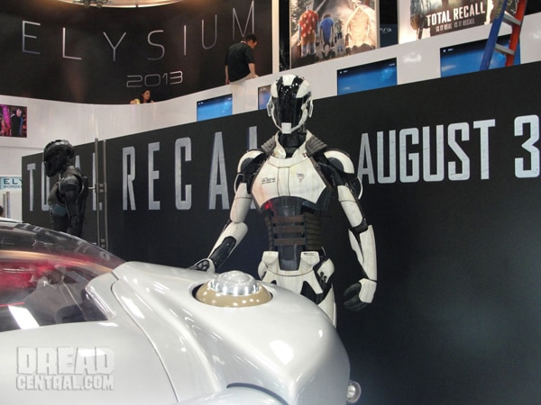 ccrecall2s - San Diego Comic-Con 2012: Total Recall Shows Off New Art, New Still, and Some Wondrous Toys!