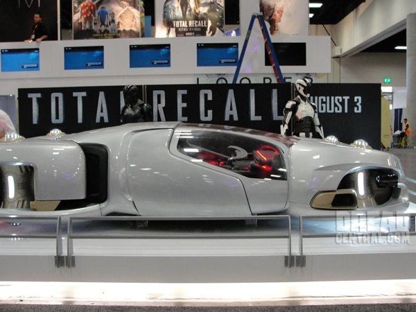 ccrecall3s - San Diego Comic-Con 2012: Total Recall Shows Off New Art, New Still, and Some Wondrous Toys!