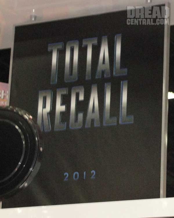 San Diego Comic-Con 2011: Total Recall Teaser Art Debuts (click for larger image)