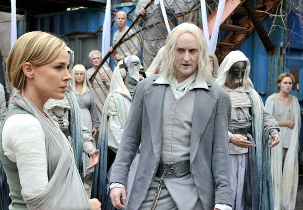 New Stills and Another Promo for Defiance Episode 1.02 - Down in the Ground Where the Dead Men Go