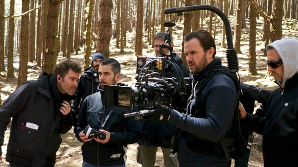 dont grow up 7 - Don't Grow Up, Warns Upcoming French Thriller