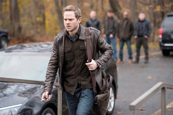 following108b - A Pair of Clips and a Trio of Images from The Following Episode 1.08 - Welcome Home