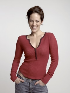 Actress Annabeth Gish Discusses Bag of Bones and More