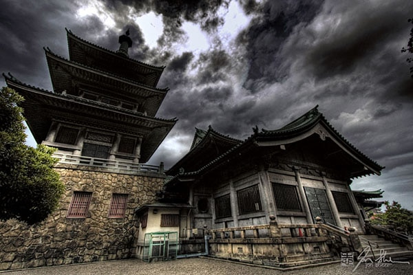 J.T. Petty Explores a Haunted Temple in Japan