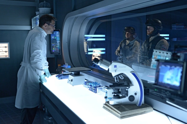 Vectors Attack in this Sneak Peek of Helix Episode 1.08 - Bloodline