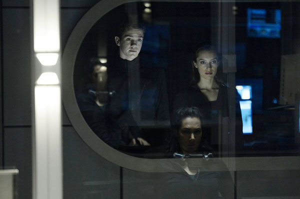 helix112a - Set a Trap with These New Photos and 5-Minute Clip from Helix Episode 1.12 - The Reaping