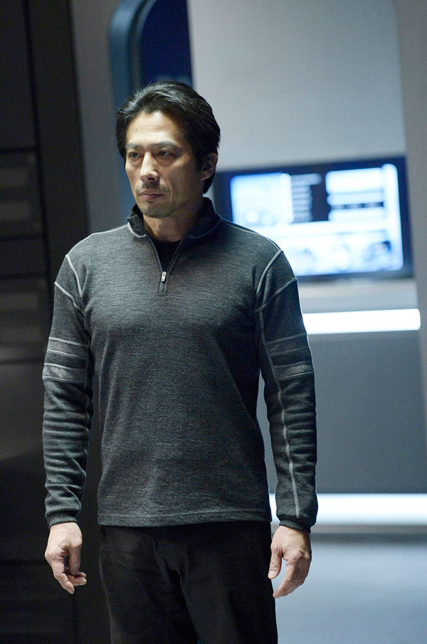 helix112b - Set a Trap with These New Photos and 5-Minute Clip from Helix Episode 1.12 - The Reaping