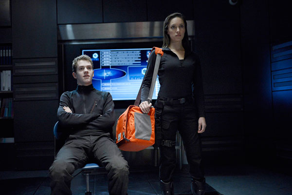 helix112d - Set a Trap with These New Photos and 5-Minute Clip from Helix Episode 1.12 - The Reaping