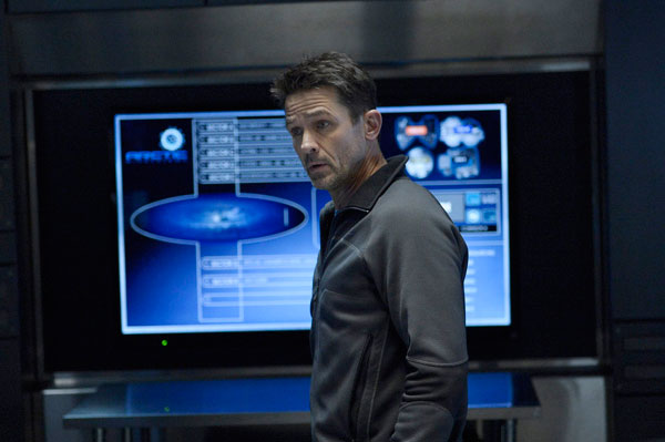 helix112e - Set a Trap with These New Photos and 5-Minute Clip from Helix Episode 1.12 - The Reaping
